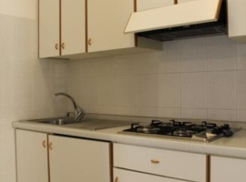 apartment with kitchen for family and with supermarket nearby