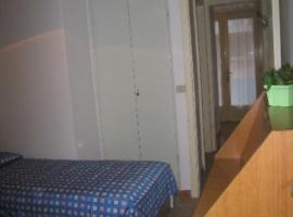 2 separate sleeping rooms